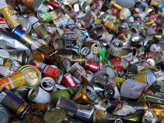 一般廃棄物の収集・加工処理 三条市の許可業者として市の一般廃棄物の収集・処理を行っています。