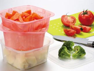 【ボウル&ザルアクティ4点セット】 野菜をザルで洗って電子レンジ調理できます。重ねて調理の下ごしらえに場所を取りません。