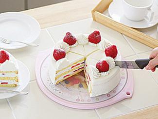 【Mommy スマートボード】 ホールケーキの均等カットが出来るメモリの付いた両面まな板
